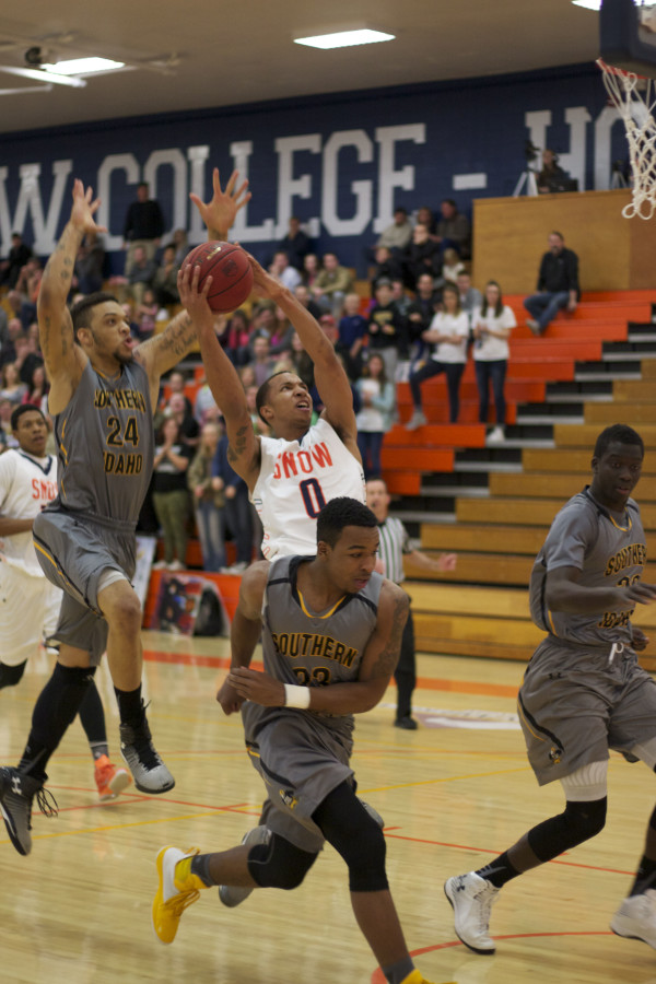 Gentrey Thomas goes for two in the game against CSI. Photo by Tyler Aldous